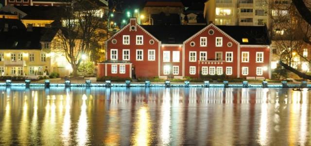 Nous voici fraîchement arrivés à Stavanger ! Notre première étape sera d'aller déposer nos sacs à l'hôtel, situé à 30 bonnes minutes de marche du centre ville où nous a […]